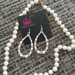 Paparazzi earrings with necklace